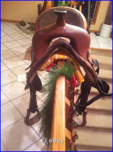 15 Circle Y Treeless Barrel Saddle