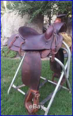 15 vintage Visalia Saddle, D E Walker Roping Saddle, Buckaroo, Ranch Roping, DECOR