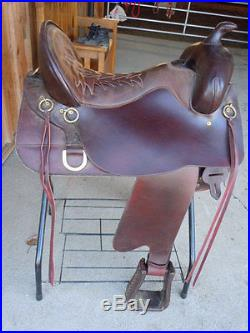 17 1/2 inch Tucker Buffalo Trail Saddle Older but only used couple times! New