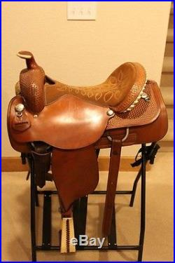 Circle Y Roping / All Around Saddle with 16 seat