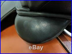 HDR VENTURA COVERED DRESSAGE SADDLE FLOCKED Regular Width 17.5 Seat