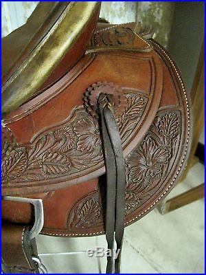McCall 16.5 Wood Post Pendleton Association Saddle Floral Tooled NO RESERVE