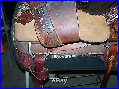 USED HEREFORD TEX TAN CUTTING PENNING SORTING SADDLE 16 IN. NO RESERVE